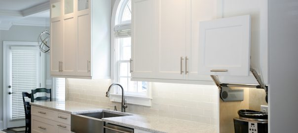 miniamlist kitchen, appliance garage