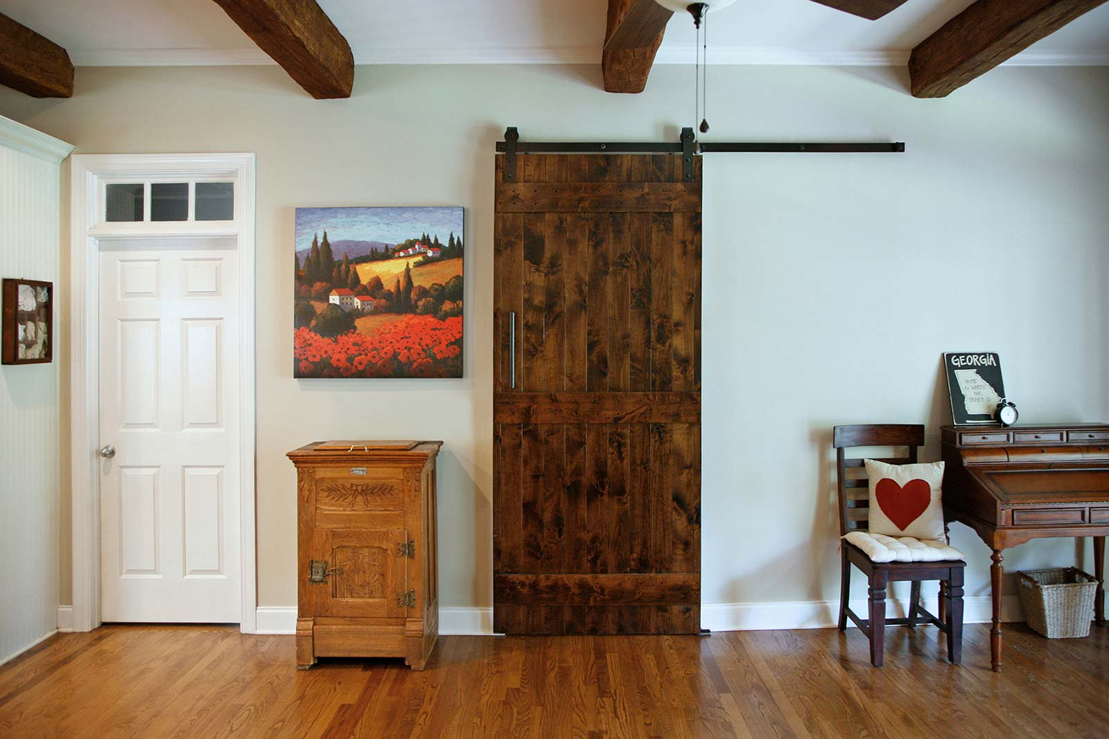 Single barndoor style door, closed