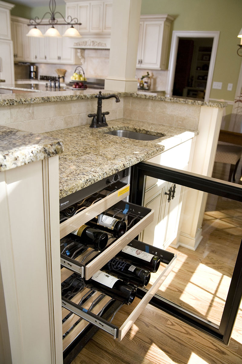 Wine cooler feature in wetbar addition